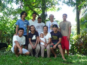 KF-RCのスタッフと研修生たち
