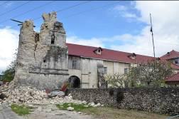 古い教会も崩れてしまいました。