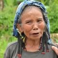 イヤリングがとても素敵。レイクセブ先住民族の女性。